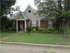 1648 Ranmar Dr ~ Memphis, TN ~ ALLURING Brick Home ~ Walk In, Nice Sized Linen Closts ~ A Must See!