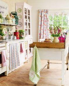 Um amor de cozinha! Cozinhas com decoração romântica