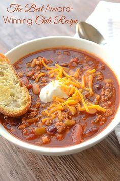 Looking for winter recipes for dinner?Award Winning Chili recipe is PACKED with warm and comforting flavors. This Homemade Chili is sure to become one of your favorite comfort food recipes. #chilirecipes #dinnerecipes #souprecipes #soups #comfortfood #comfortfoodfeast