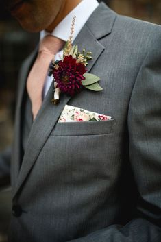 photo by shannon st. clair // the bee's knees floral // minnesota wedding florist // fresh flower design // burgundy dahlia, blush astilbe, seeded eucalyptus, viburnum berry boutonniere // boho wedding flowers // floral print pocket square // bohemian wedding // burgundy and blush // silk and willow ribbon