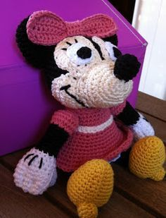 EL DESVÁN DE LOS AMIGURUMIS: Amigurumi Disney Minnie Mouse: patrón
