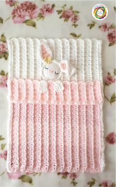 Ravelry: Little Security Snuggle Bunny Lovey pattern by Crea Crochet # crochet baby patterns for beginners Crochet Security Blanket, Baby Afghan Crochet, Manta Crochet, Baby Afghans, Crochet Bunny, Afghan Crochet Patterns, Baby Patterns, Baby Blankets, Knitting Patterns