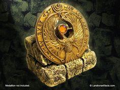 Staff of Ra Headpiece Prop Medallion Display Stand - Indiana Jones Raiders
