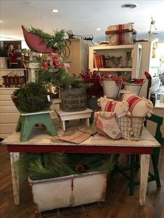 Visual merchandising. Retail store display. Antique / Vintage