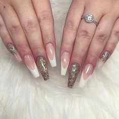 50 Stunning Stiletto Nail Ideas that Will Rock Your World nageldesign pastell 50 Stunning Stiletto Nail Ideas that Will Rock Your World Gold Nail Polish, Gold Nails, White Nails, Nailart Glitter, Glitter French Manicure, Nailart French, American Nails, Pointed Nails, Rose Pastel