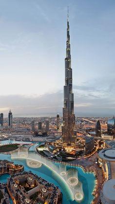 Khalifa Tower, Dubai.  Den passenden Koffer für eure Reise findet ihr bei uns: https://www.profibag.de/reisegepaeck/  United Arab Emirates Dubai  For information Få adgang til vores hjemmeside   https://storelatina.com/unitedarabemirates/travelling  #beaches #tourism #ArabischeEmiraten #traveler