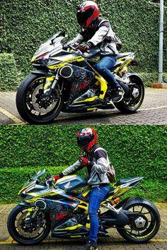 Honda Modified with Transformer decals Honda Motorcycles, Custom Motorcycles, Cars And Motorcycles, Custom Wheels, Custom Cars, Cbr 250 Rr, Custom Hayabusa, Custom Sport Bikes, Chopper Bike