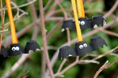 Wicked Egg Carton Bats with goggly eyes. A really simple craft for the kids to make as a Halloween Decoration. #Halloween #Crafts and #Ideas