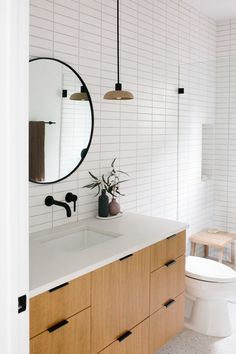 Bathroom decor for your bathroom remodel. Learn bathroom organization, master bathroom decor a few ideas, master bathroom tile a few ideas, master bathroom paint colors, and more. Bathroom Renovations, Home Remodeling, Decorating Bathrooms, Remodel Bathroom, Bathroom Makeovers, Shower Remodel, Diy Home Decor For Apartments, Scandinavian Bathroom, Bad Inspiration
