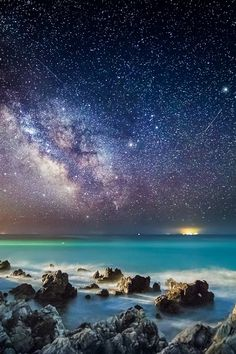 Across the Universe shot by fine art photographer Giovanna Griffo depicts stunning images of the night sky set against immense vistas. Cosmos, Nature Pictures, Cool Pictures, Beautiful Pictures, Beautiful Sky, Beautiful World, Stunningly Beautiful, Landscape Photography, Stars