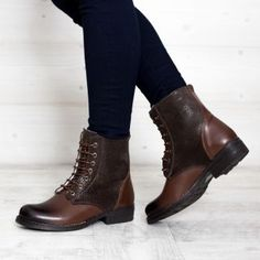 Ghete dama iarna imblanite din piele naturala maro Sport, Boots, Casual, Fashion, Deporte, Shearling Boots, Moda, Fashion Styles, Heeled Boots