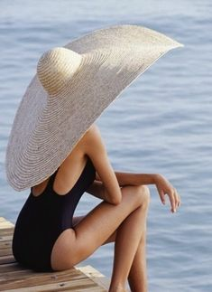 Trends 40 Stylish Straw Hat Looks for Summer You Should Copy Fotos Strand, Moda Fashion, Womens Fashion, Bikini Sets, Swimsuits, Bikinis, Swimwear, Beach Wear, Summer Hats