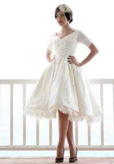 I LOVE LOVE LOVE this dress!! So simple, so elegant, so perfect!