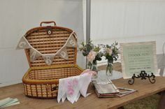 vintage picnic wedding - gifts table