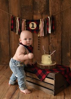 coltons first birthday Little Man Birthday, Boy First Birthday, Birthday Fun, First Birthday Parties, Birthday Ideas, Bebe 1 An, Lumberjack Birthday Party, 1st Birthday Pictures, Birthday Photography