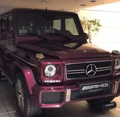 I love the color on this g wagon