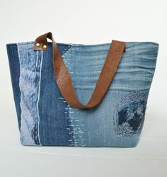 Sashiko-Inspired Denim Tote Bag Pattern | Learn to recycle your jeans with this fun denim sewing project!