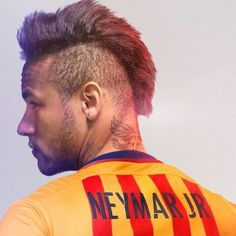 Image discovered by Fernanda Cortes. Find images and videos about neymar jr on We Heart It - the app to get lost in what you love. Neymar Jr, Soccer Fans, Football Players, Mohawk Cut, 2015 Hairstyles, Best Player, Fc Barcelona, Role Models, Soccer