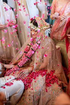Indian Wedding Video, Indian Wedding Gowns, Indian Wedding Makeup, Indian Bridal Lehenga, Indian Bridal Outfits, Indian Weddings, Indian Dresses, Real Weddings, India Wedding Decorations
