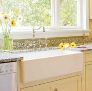 Google Image Result for http://www.kitchen-design-ideas.org/images/kitchen-cabinets-traditional-two-tone-135-cp028d-antique-white-farm-sink-country-cottage_tn.jpg