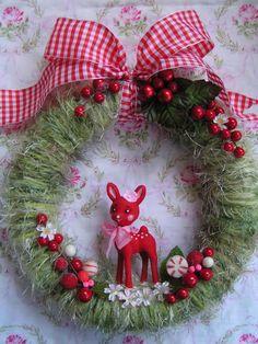 Christmas Deer Wreath ~ Idea to use pool noodle n baling twine!