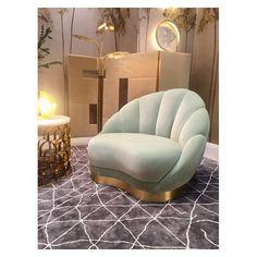 Eclettica Wunderkammer  inspiration from @maisonetobjet ⒾⒹⒺⒶⓈ ⒻⓄⓇ ⓁⒾⓋⒾⓃⒼ . . . #wunderkammer #furniture #vintage  #maisonobjet2018 #complementiarredo #interior #design #interiordesign #home #decor #homedecor #architecture #luxury #luxuryhomes #luxurydesign #florence #milan #italy #italianstyle #art #style #internationalstyle #midcenturymodern #arredamento #living #studiodimorecollection  #shoppinginmilan #shoppinginflorence Firenze | Milano - posted by studio dimore collection…