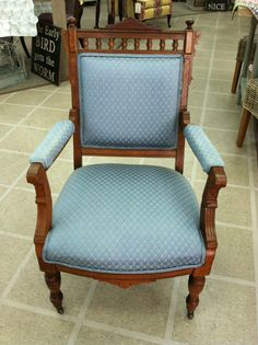 BEAUTIFUL VICTORIAN EASTLAKE ARM CHAIR