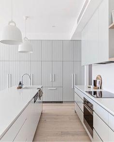 20 White Kitchen Design Ideas Interior Modern, Interior Design Kitchen, Home Design, White Kitchen Interior, Home Decor Kitchen, Home Kitchens, Kitchen Decorations, Decorating Kitchen, Layout Design