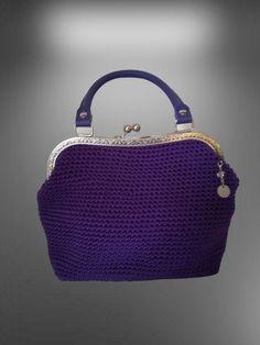 borsa donna uncinetto e pelle con chiusura a scatto Etsy Handmade, Handmade Gifts, Coin Purse, Wallet, Fashion, Kid Craft Gifts, Moda, La Mode, Craft Gifts