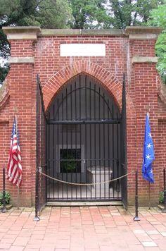 George & Martha Washington's gravesite, Mt. Vernon, VA