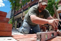 For any DIYer, bricklaying can be a very rewarding hobby. Once the basic bricklaying skills have been learned it then becomes possible to take on a whole range of new and challenging DIY projects.