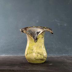 Ikebana vase made by Carina Jern. More information at carinajern.com