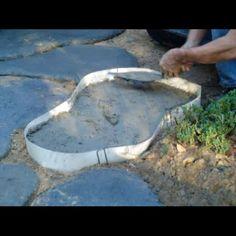 Make custom concrete stepping stone walkways, garden paths & patios with ROCKA DESIGN™ Custom Stone Maker. Concrete Stepping Stones, Garden Stepping Stones, Unique Garden, Easy Garden, Natural Garden, Garden Steps, Garden Paths, Gravel Garden, Concrete Garden