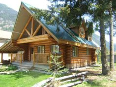 Log Cabin Interiors | View interior and exterior photos of hand crafted log homes