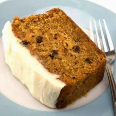 This honey carrot cake recipe is made with boiled carrots instead of raw grated carrots. Honey Carrot Cake Recipe from Grandmothers Kitchen. Sugar Free Carrot Cake, Healthy Carrot Cakes, Egg Recipes, Cake Recipes, Dessert Recipes, Honey Carrots, Delicious Desserts, Yummy Food, Pumpkin Spice Cake