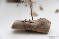 Das geht fix No. 58 - Tischkarten aus Treibholz und Federn - Tischlein deck dich Incense, Blog, Wedding, Decorating Cups, Shells And Sand, Place Cards, Drift Wood, Feathers, Cardboard Paper