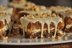 Prajitura Snickers cu ciocolata alba | Retete culinare cu Laura Sava - Cele mai bune retete pentru intreaga familie