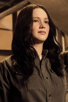New still of Jennifer Lawrence as Katniss Everdeen in Mockingjay Part 1