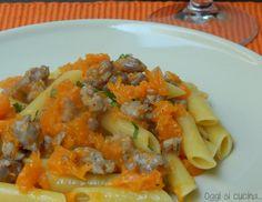 Penne zucca e salsiccia http://blog.giallozafferano.it/oggisicucina/penne-zucca-salsiccia/