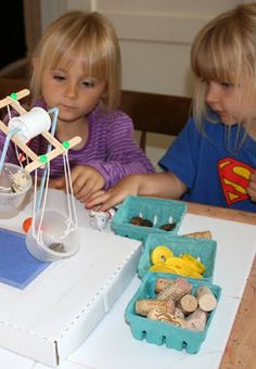 Sharing messy art and craft fun for preschoolers with the help of my own little filth wizards. Stem Science, Science Fair, Science Education, Science Activities, Science Experiments, Science Projects For Kids, Science For Kids, Solar Energy For Kids, Math Classroom Decorations