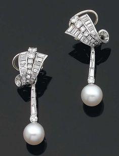 Chaumet c1950s |  Diamonds and pearls set in platinum.