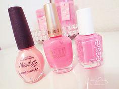 pink nail polish <3