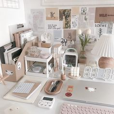 Study Room Decor, Teen Room Decor, Room Setup, Desk Inspiration, Bedroom Inspiration Cozy, Desk Inspo, My New Room, My Room, Home Room Design