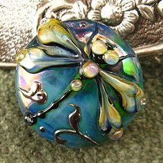 Kerri Fuhr lampwork bead. Love Kerri's work.  <3<3<3 HER GLASS ART BEADS ARE AMAZING THEY ARE 'ART'!<3<3<3 :) @