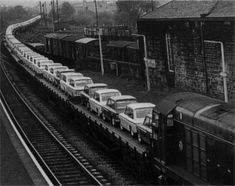 Hillman Imps being delivered from Linwood - - credit Glasgow Chronicles Black N White Images, Black And White, Europe Car, Paisley Scotland, Glasgow, Railroad Tracks, Vintage Photos, Diesel, Transportation