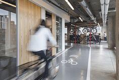 Nicht nur diese Indoor-Fahrradstrecke macht das SRAM-Hauptquartier zum Radfahrertraum | WIRED Germany