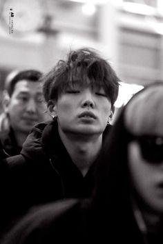 That jawline tho Ikon Member, Kim Jinhwan, Ikon Kpop, Ikon Wallpaper, Ikon Debut, Korean Star, Famous Men, Cute Gay, Celebs