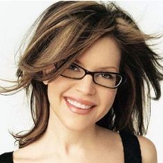 Top Women Hairstyles for Eyeglass Wearers Cute Glasses, New Glasses, Girls With Glasses, Hairstyles With Glasses, Hairstyles With Bangs, Active Hairstyles, Bangs Hairstyle, Glasses For Your Face Shape, Hot Hair Colors