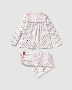Pijama de niña Cotton Juice dos piezas Baby Girl Dress Patterns, Dresses Kids Girl, Little Girl Outfits, Kids Outfits Girls, Baby Dress, Kids Nightwear, Cute Sleepwear, Girls Sleepwear, Girls Pajamas