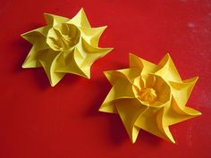 The Little Sun, designed by Nicoletta Maggino, and folded by Praise Pratajev.